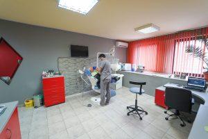 зъболекар-практикува